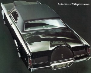 Image: Overhead view of 1969 Continental Mark III