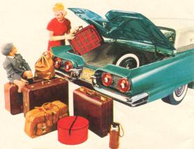 1959 Thunderbird luggage compartment: room to spare