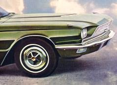 1966 Ford Thunderbird in Ivy Green Metallic (front quarter view detail)