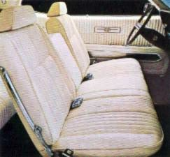 Image: Standard 1970 Thunderbird Bench Front Seat