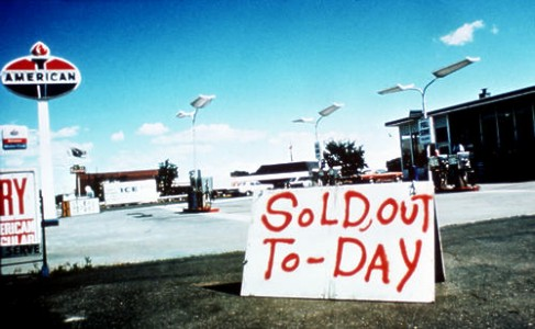Image: 1973 gas crisis out of gas sign