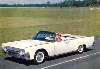 Image: 1961 Lincoln Continental 4-Door Convertible