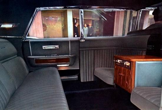 """Résultat de recherche d'images pour """"Lincoln Continental Executive Limousine de 1967"""""""