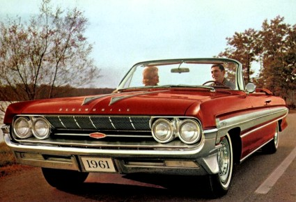 Image: 1961 Oldsmobile Starfire Convertible