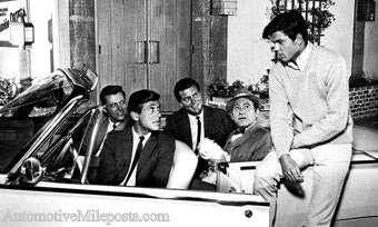 Image: 77 Sunset Strip cast posed with 1961 Ford Thunderbird Convertible
